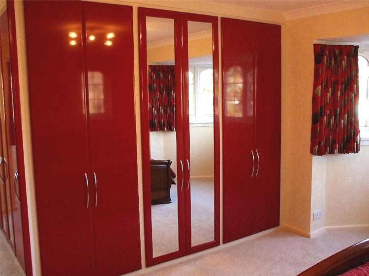 Распашные двери для шкафа