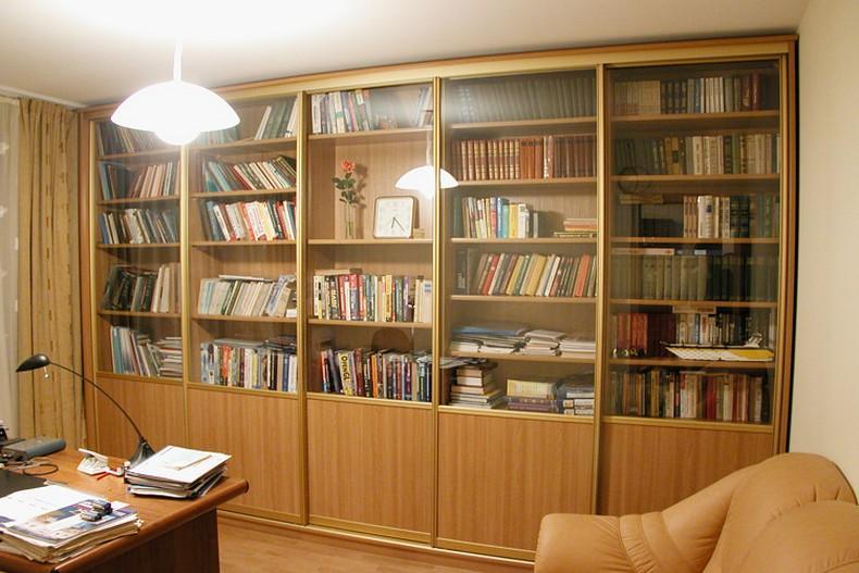 Фото книжных шкафов и мебели для домашних библиотек на заказ.